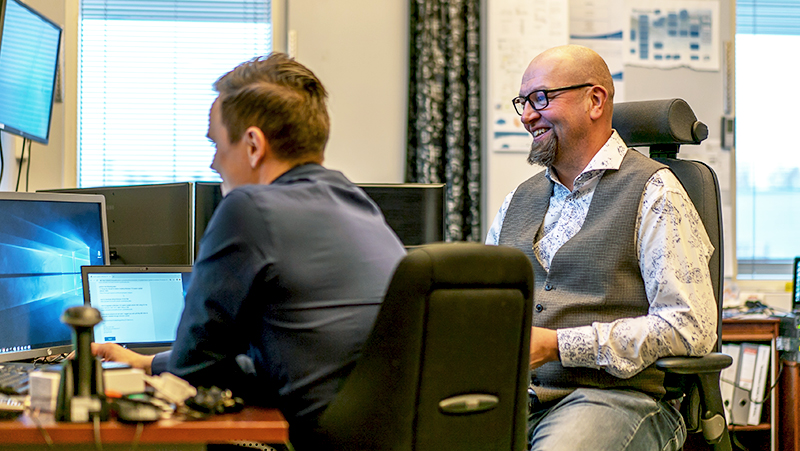 Opsec Oy:n tietohallintopäällikkö Jukka Törmä ja Seinäjoen Energian tietohallintopäällikkö Seppo Haapamäki